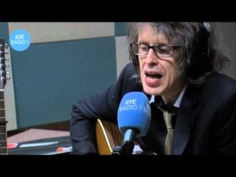 Mike Scott of The Waterboys performing 'The Lake Isle Of Innisfree' on The Ronan Collins Show.