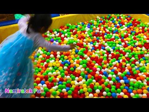 Mainan Anak Mandi Bola Warna Warni The Ball Pit Show for Kids Indoor Playground Giant Kids Zone