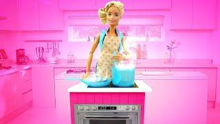 Барби готовит ужин - Еда из пластилина. Видео рецепты - Мультики для девочек