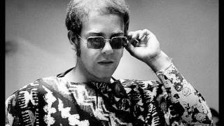 "Elton John ""Tiny Dancer"""