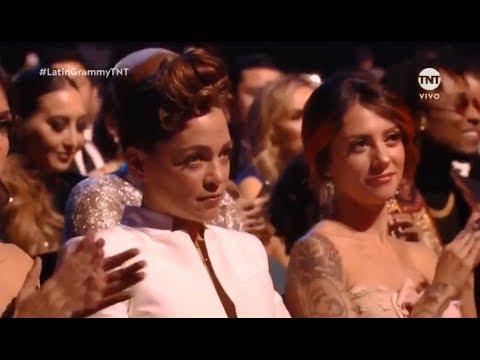 El Gesto de Natalia Lafourcade Cuando Maluma Se Llevó Un Grammy Latino 2018