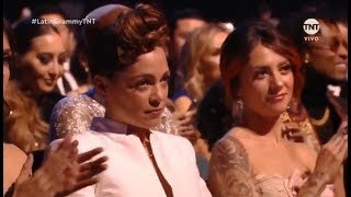 Baixar La Cara de Asco de Natalia Lafourcade Cuando Maluma Se Llevó Un Grammy Latino 2018