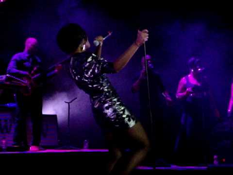Beverley Knight - Every Step (Royal Albert Hall)