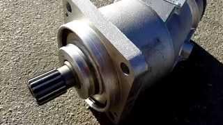 видео Аксиально-поршневые насосы гидромоторы - принцип работы, устройство чертежы, описание