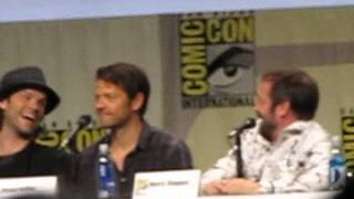 If the cast of Supernatural had dating profiles (SDCC 2014)