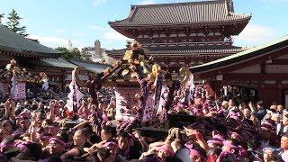 東京・浅草に初夏の訪れを告げる「三社祭」は20日、浅草神社の本社か...