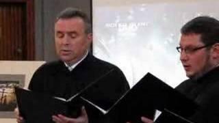 Śpiew prawosławnego chóru.