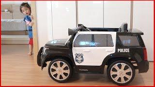 오잉!! 이게 모야?? 서은이의 경찰차 구하는 방법 뽀로로 경찰복 경찰 전동차 로보카 폴리 Police Power Wheel
