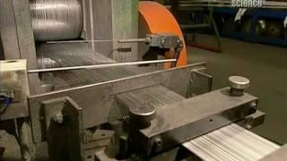 Как это сделано: гвозди и скобы(Видео от канала Discovery о процессе производства гвоздей (в т.ч. гладких строительных гвоздей, гвоздей с кольце..., 2011-06-08T20:09:09.000Z)