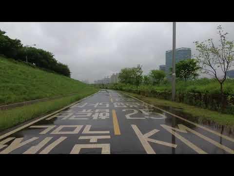 [4K] 비오는 안양천 - Walking along the Anyangcheon in the Rain, Seoul, Korea