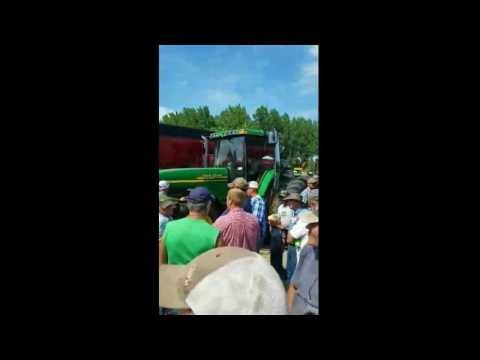 John Deere 8410 with 6550 Hours Sold on Southwest Minnesota Auction Monday