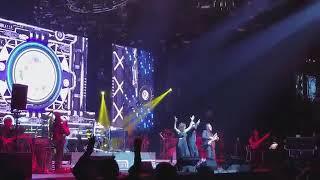 Mukkala_Mukkabala_-_AR_Rahman,_Neeti_Mohan___Benny_Dayal_Live_in_Concert_in_Toro