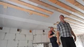 Подшивка чернового потолка в зале и кухне(В этой серии подшиваю черновой потолок в кухне, стыкую его к ранее подшитым доскам в зале. Доска дюймовая..., 2016-07-25T15:46:49.000Z)