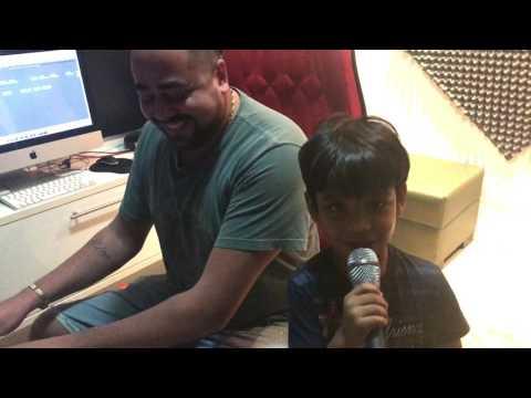 A Primeira Criança A Cantar Arrochadeira.😱