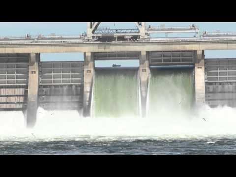 Boating Safety Near Dams
