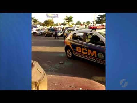 JMD (18/06/18) - Carro Da Guarda Civil Metropolitana Tem Vidro Quebrado