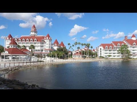 Disney World's Grand Floridian Resort Tour   Hotel Grounds & Holiday Fun