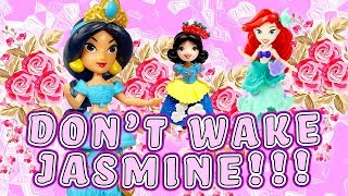 Disney Princesses Play the Don't Wake Daddy Jasmine Game to Get a Crown! W/ Belle, Ariel & Aurora