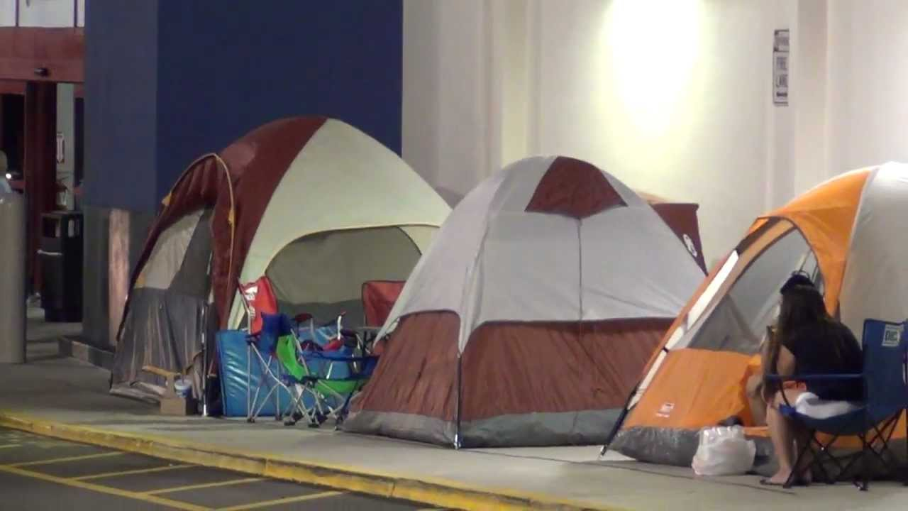 Tent Was Shaking People Already Camping Out At Best Buy 4