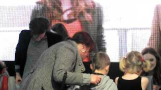Matt Smith-Karen Gillan Receive Gift from Family .AVI