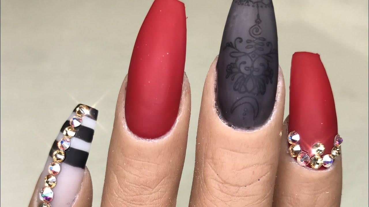 Uñas Rojas Con Negro Decoración De Uñas En Gel