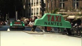 UberPOP: des taxis bloquent des sessions de recrutement à Marseille et Nantes