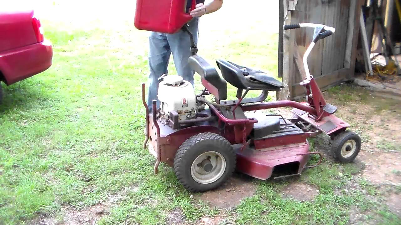 Cold start vintage Snapper lawnmower - YouTube