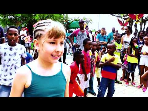 Bamboleo bambolee video oficial Alex pichi