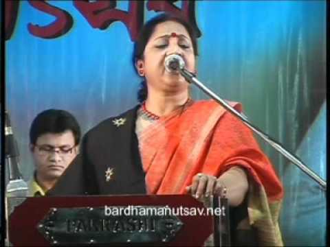 13 Indrani Sen   Song   Bardhaman Utsav 2011