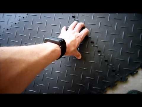 Garagenboden Schnell, Einfach Und Haltbar Sanieren   Sind PVC Fliesen Die  Lösung?