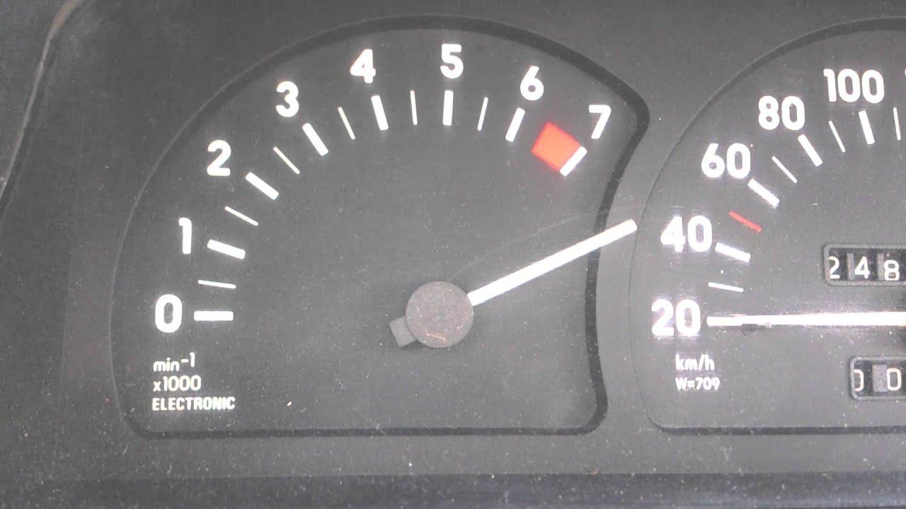 не заводится опель омега бензин дергается тахометр