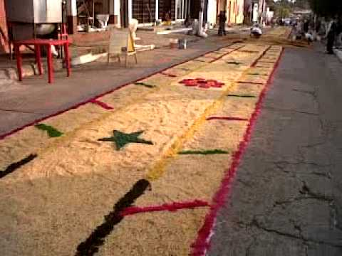Alfombras de tuxtla chico feria de candelaria youtube for Alfombras persas en mexico