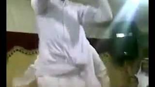رقص معلاية رجال خناث ال سعود في قصر السعودية