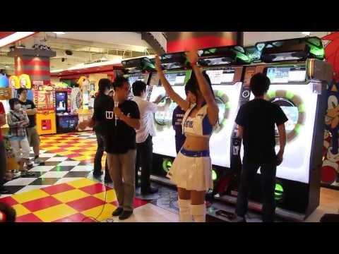 光吉猛修 SEGA WORLD 大江店現場表演「デコボコ体操第二」-巴哈姆特 GNN