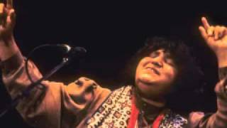 Sindhi Song-Abida Parveen-Dadha Naaz Sajjan.flv