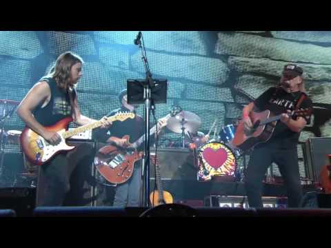 Neil Young + Promise of the Real - Out On the Weekend (Live at Farm Aid 2016)