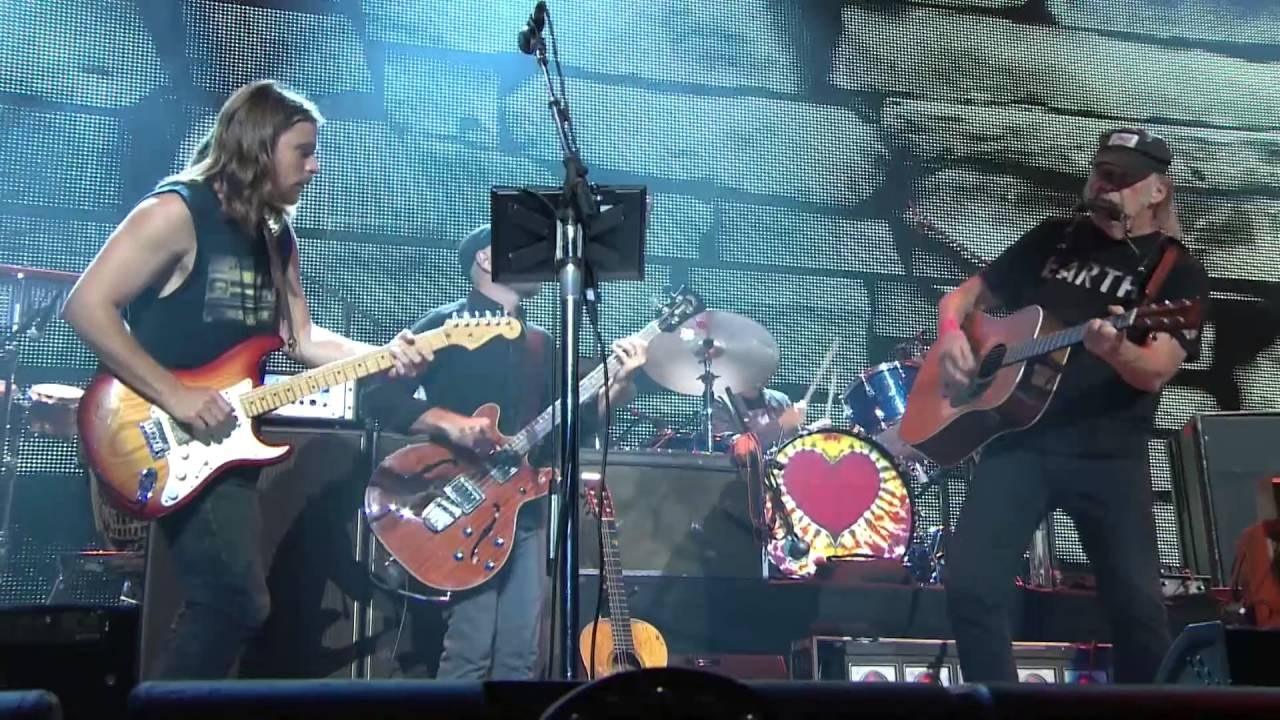 Download Neil Young + Promise of the Real - Out On the Weekend (Live at Farm Aid 2016)