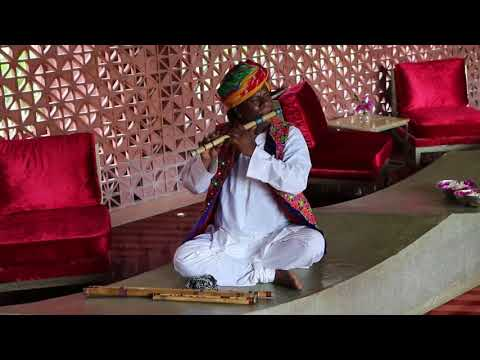 𝐑ajasthani 𝐅lute 𝐌usician 𝐩laying 𝐦agical 𝐈ndian 𝐜lassical 𝐭une