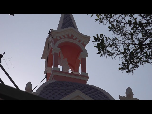 Trùng tu nhà thờ: Tháo dỡ ngói mái hạ - 16/01/2021