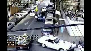 Repeat youtube video Muestran video de la ejecución del General en retiro Mario Arturo Acosta Chaparro