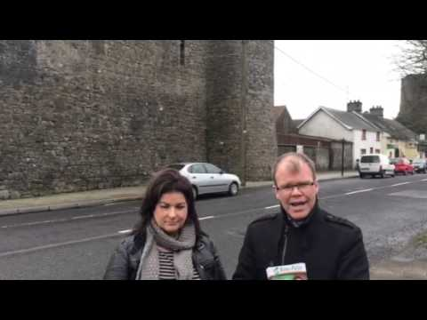 Peadar Toibin and Una D'Arcy delvin canvass