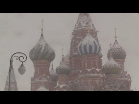 """La """"nevada del siglo"""" sepulta Moscú bajo medio metro de nieve"""