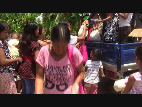 JOHNNY PEANUT RICE GIVE AWAY AT CHURCH EXPAT SIMPLE LIFE PHILIPPINES