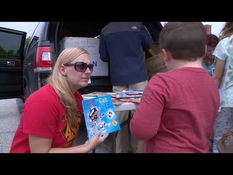 Book Buggy Visits Watson Lane Elementary School