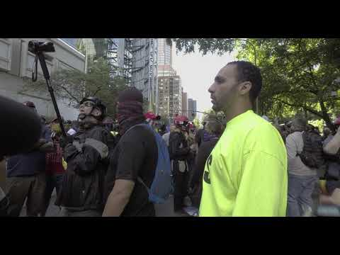 Download Portland protesters face pro police/nationalist groups