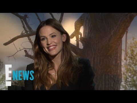 "Jennifer Garner Says the ""World Is a Complicated Place"" 