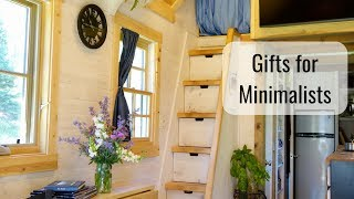 Life In A Tiny House Called Fy Nyth - Gifts For Minimalists