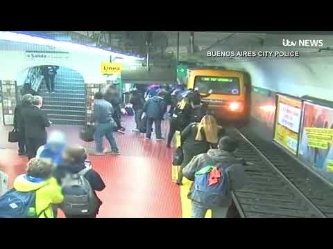 The Sports Feed - #GoodNews: Woman Accidentally Pushed On Subway Tracks Saved By Commuters