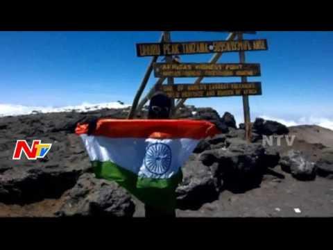 Telugu Girl Vineela Climbs Mount Kilimanjaro || Tanzania || NTV