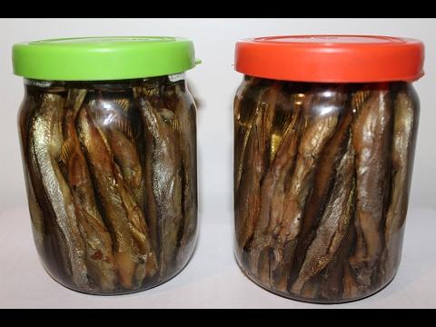 Золотистые тушки под вкуснейшим соусом можно сервировать как отдельную закуску для праздничного стола или подать их с картофельным гарниром на завтрак или ужин.